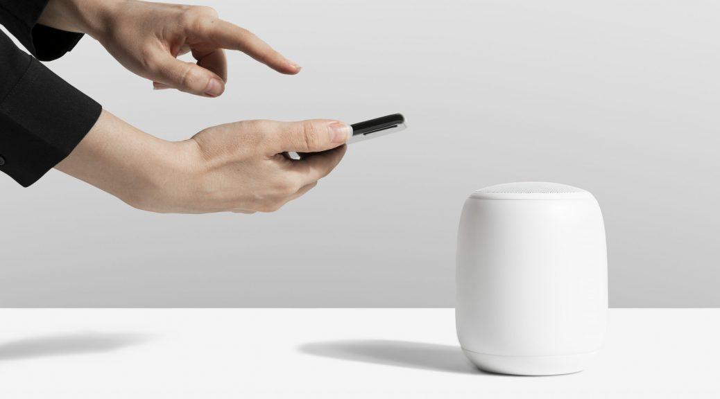 Uso de redes e aplicativos por voz: Google Home Assistente e Amazon Alexa (imagem: FreePik)